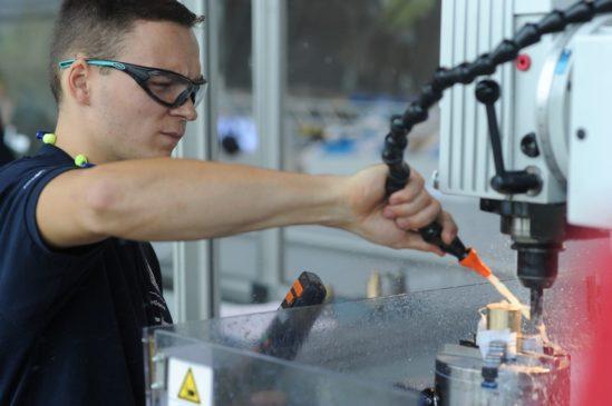 Franz Radestock gewann 2018 die Deutsche Meisterschaft der Industriemechaniker/innen und nahm 2019 auch an der WM der Berufe im russischen Kasan teil. (Foto: Werner Kuhnle)