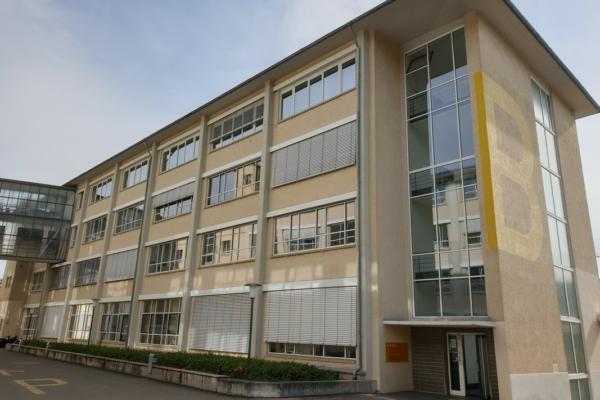 Unsere Büros befindet sich im 1. Obergeschoss im Haus B der Krefelder Str. 32